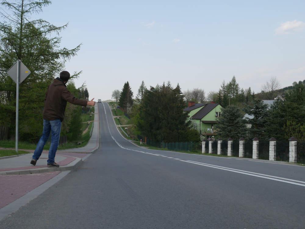 Jeroen hitchhiking